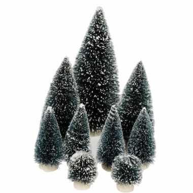 Set van 9 kleine kerstboompjes