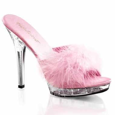 Sexy roze stilettos met veertjes