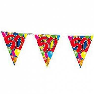 Slingers 50 jaar buiten vlaggetjes