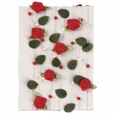 Slingers van rode rozen 2 meter