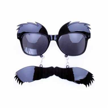 Snor en wenkbrauwen bril