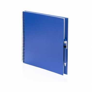 Tekenboek blauw met pen