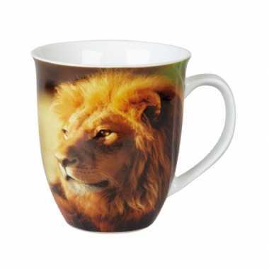 Thee beker met leeuw