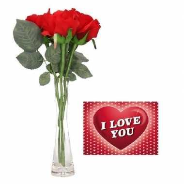 Valentijnsdag cadeau vaas met 3 rode rozen met valentijnskaart