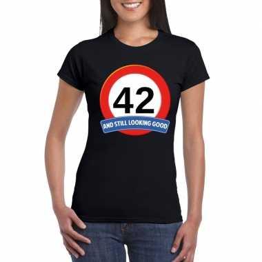 Verkeersbord 42 jaar t-shirt zwart dames