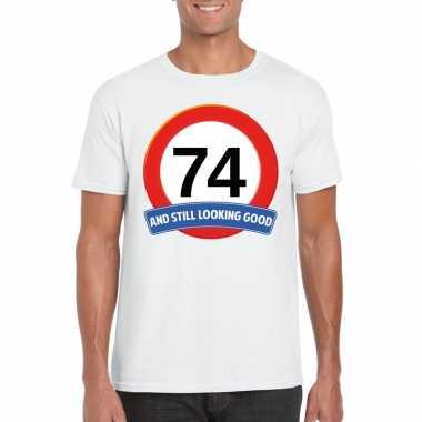 Verkeersbord 74 jaar t-shirt wit heren
