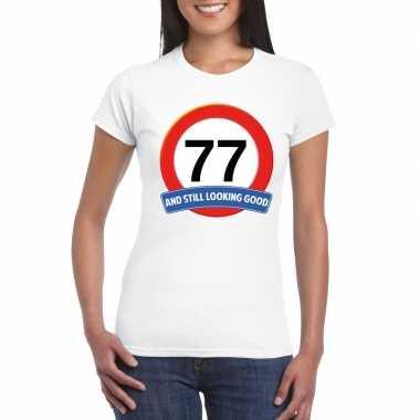 Verkeersbord 77 jaar t-shirt wit dames