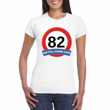 Verkeersbord 82 jaar t-shirt wit dames