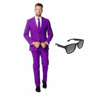 Verkleed paars net heren kostuum maat 52 (xl) met gratis zonnebril
