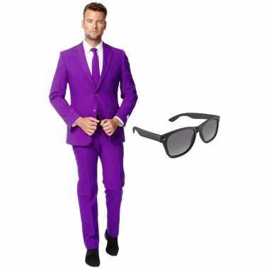 Verkleed paars net heren kostuum maat 54 (xxl) met gratis zonnebril