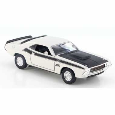 Welly modelauto dodge challenger 1970 wit 1:34