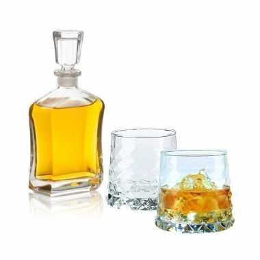 Whiskey karaf 0,7 liter met twee gemvormige whiskey glazen
