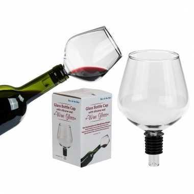 Wijnstopper in de vorm van een wijnglas