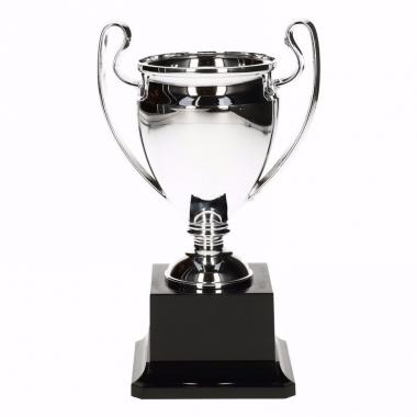 Winnaars wisselbeker 18 cm zilver met oren