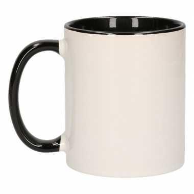 Wit met zwarte koffiemok zonder bedrukking