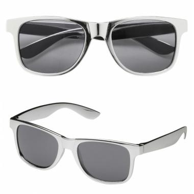 Zilveren feestbril met donkere glazen