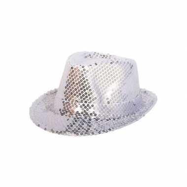 Zilveren hoedje met zilveren pailletten