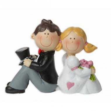 Zittend jong bruidspaar beeldje 8 cm