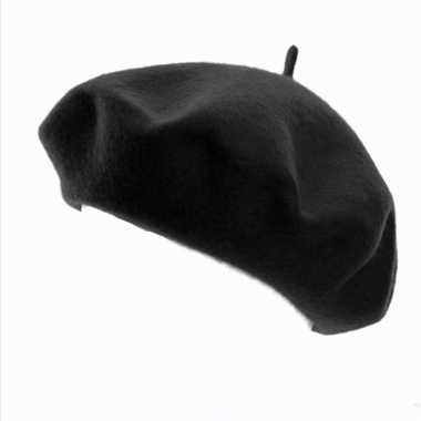 Zwart frans baretje voor dames