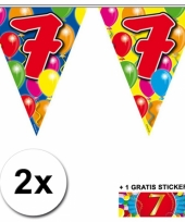 2 x leeftijd vlaggenlijnen 7 jaar met sticker