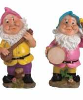 2x tuindecoratie beeldjes kabouters dwergen 30 cm muzikanten roze blauw