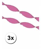 3 roze slingers van crepe papier 5 m