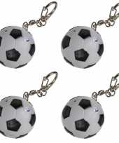 4x voetbal sleutelhangers met led lichtje 3 5 cm