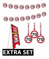 70ste verjaardag versiering pakket verkeersbord extra