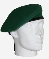 Baret van een soldaat groen