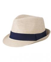 Beige hoedje met marineblauwe hoedband