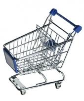 Blauw winkelwagentje van metaal