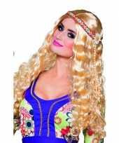 Blonde pruik met hippie haarband