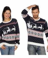 Donkerblauwe trui voor kerst met rendieren
