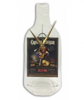 Drankfles captain morgan rum klok