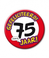 Extra grote button 75 jaar stopbord 10 cm
