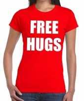 Free hugs tekst t-shirt rood dames