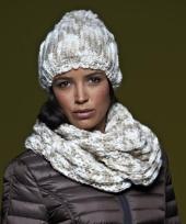 Gebreide trendy sjaal naturel off white