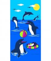 Gekleurd strandlaken dolphin game 70 x 140 cm