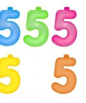 Gekleurde opblaas cijfer 5