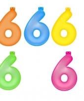 Gekleurde opblaas cijfer 6