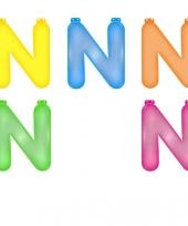 Gekleurde opblaas letters n