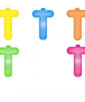 Gekleurde opblaas letters t