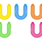 Gekleurde opblaas letters u