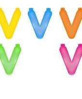 Gekleurde opblaas letters v