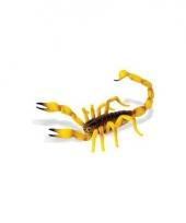 Gele plastic schorpioen 16 5 cm