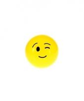 Gele smiley stuiterbal met knipoog 8 cm