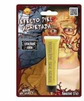 Gele zombie schmink met gebarsten huid effect