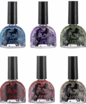 Glitter nagellak gekleurd