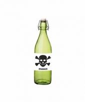 Grappige groene glazen fles met vergif