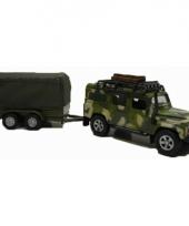 Groene speel auto landrover met aanhangwagen